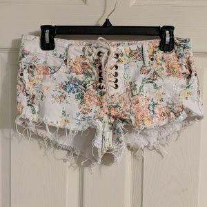 🌼SALE!! 5/$25🌼 Billabong floral denim shorts
